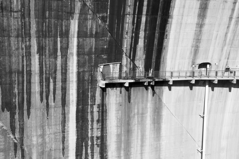 carina martins, hub-structures - streak moisture in a dam