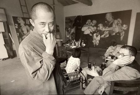 YANG Shaobin dans son atelier à Song Zhuang, Beijing, 1998 © Xu Zhiweiéd. 10 à 350€