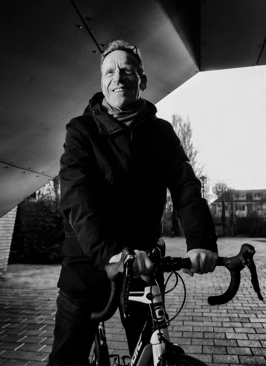 """'In Nederland word je snel in het hokje van """"het verleden"""" geduwd' — Out in the Open"""